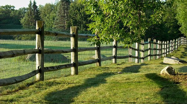 vinyl coated welded wire fencing material