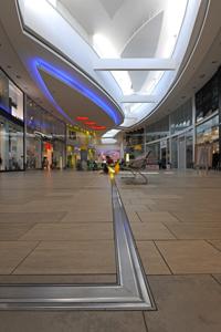 Des couvre-joints de dilatation CS pour garantir la structure du centre commercial de Country Square