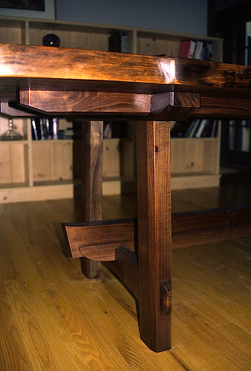 High Quality Hand Made Dining Table, Cotswold Style Base.