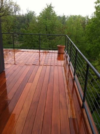Garapa decking with custom railing design
