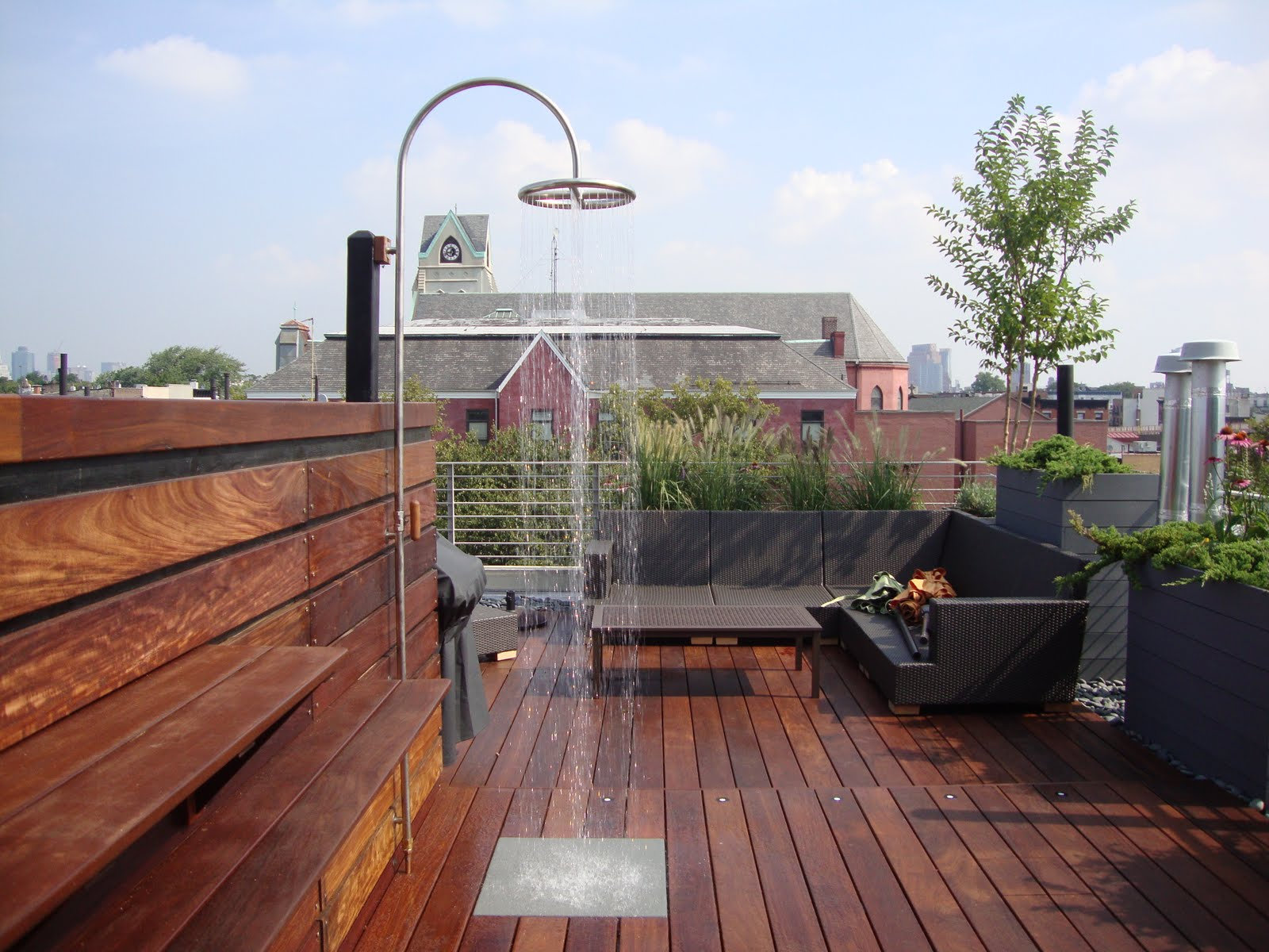 Ipe decking and rooftop shower at hot tub