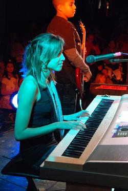 Piano keys performance pic