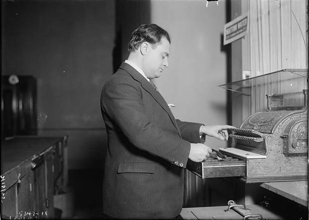 Beniamino_Gigli,_Italian_tenor