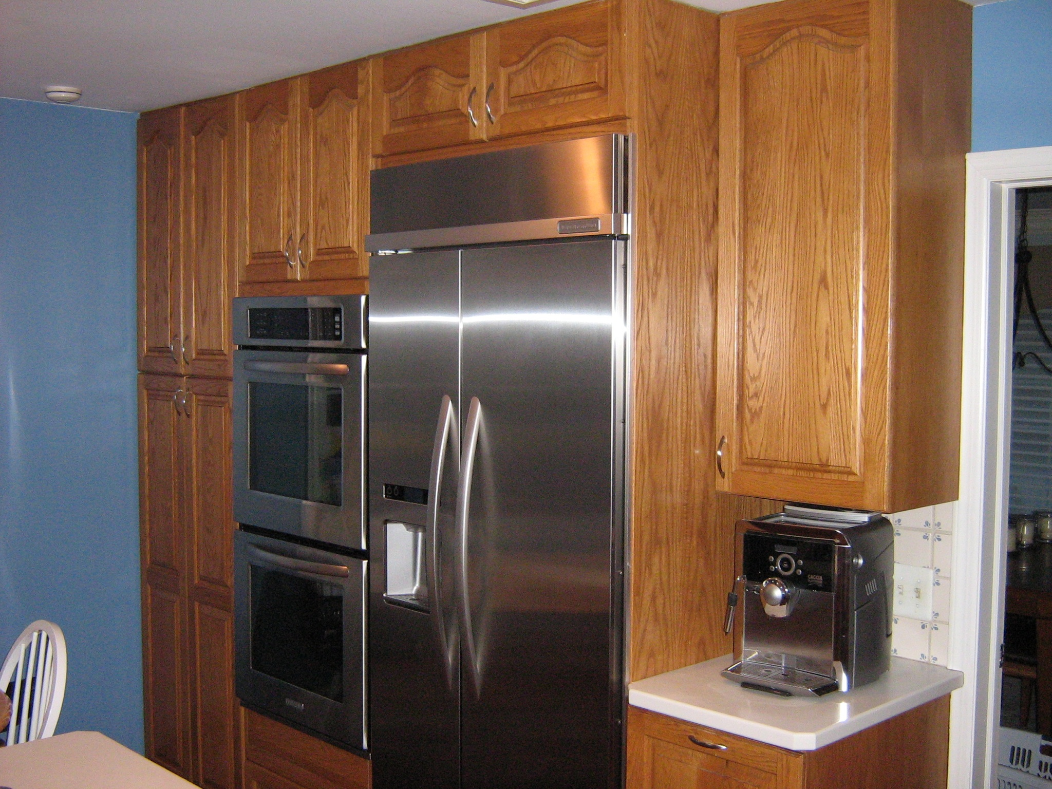 living light 4 kitchen space savers for when you just don 39 t have the room. Black Bedroom Furniture Sets. Home Design Ideas