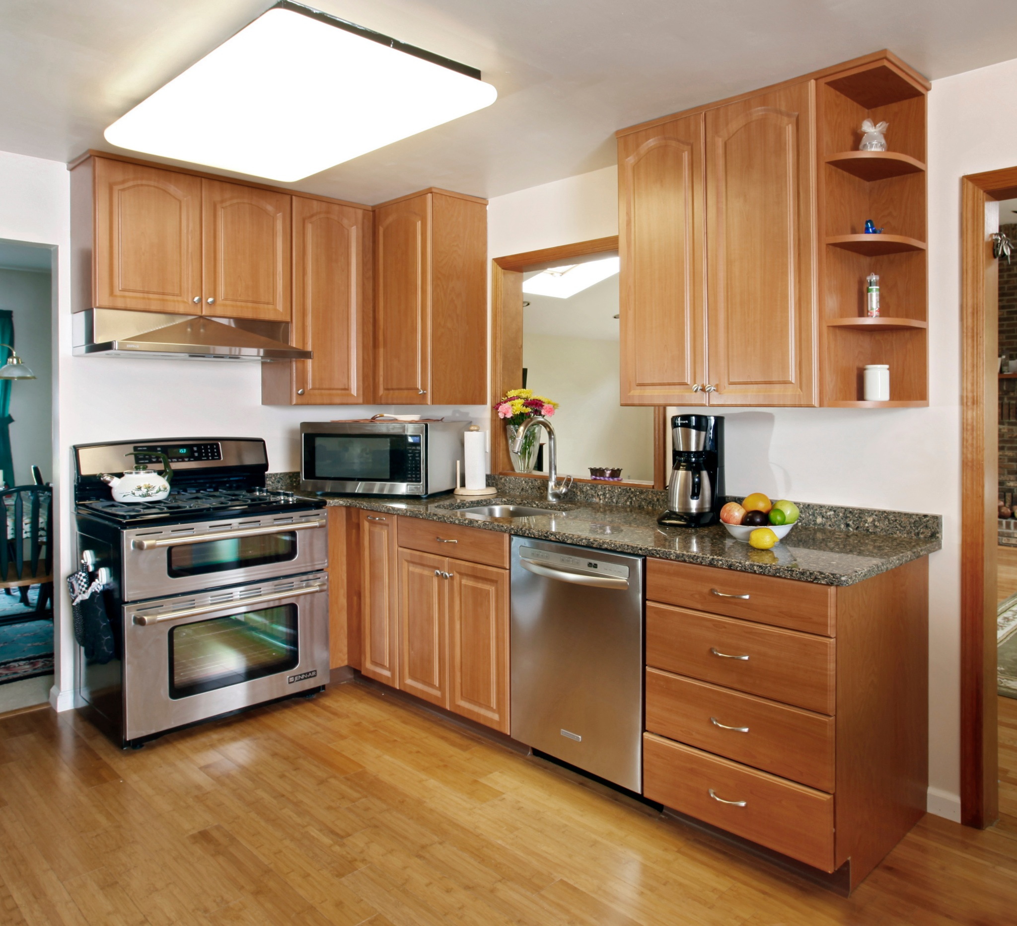 Cherry Oak Kitchen Cabinets: What Countertop Color Looks Best With Cherry Pear Cabinets?