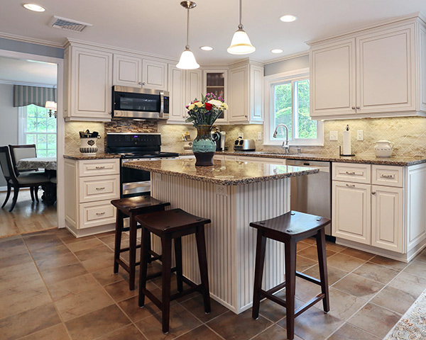 What Color Granite With White Cabinets Looks Good : What countertop color looks best with white cabinets