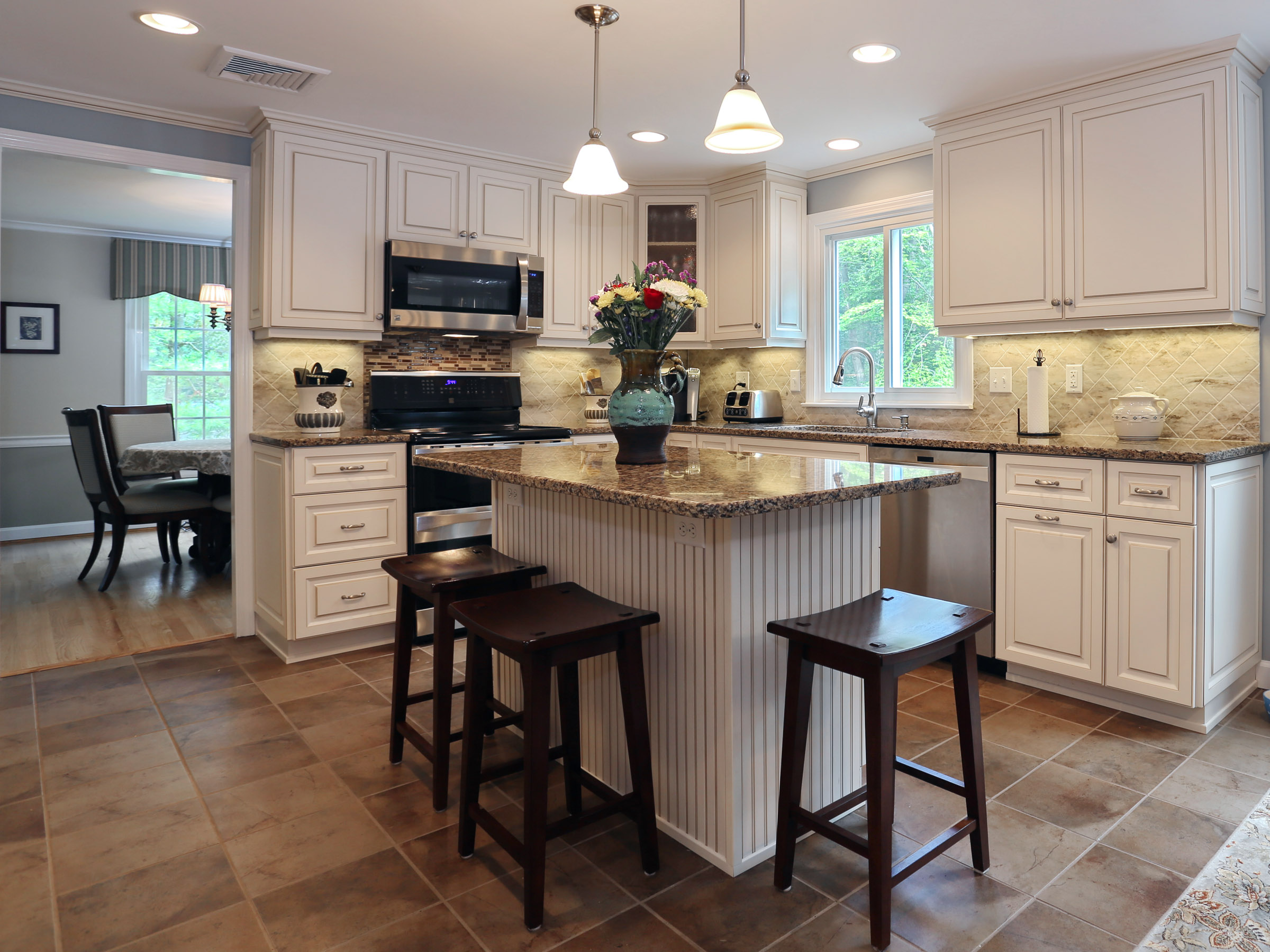 Have you ever seen a canterbury kitchen for Cambrian kitchen cabinets