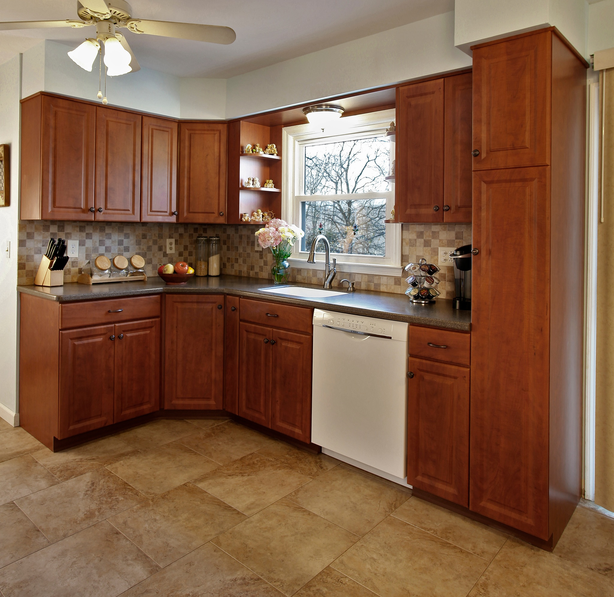 Types Of Cabinets For Kitchen: Differences Between 6 Common Types Of Cabinet Doors