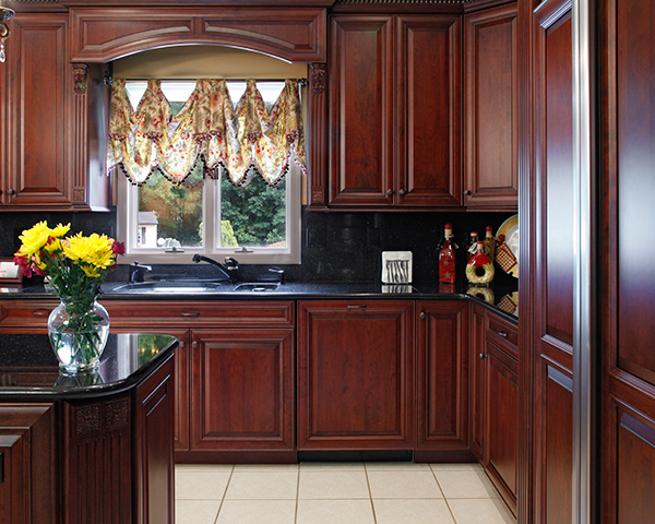What color paint goes with cherry cabinets home for Kitchen colors cherry cabinets