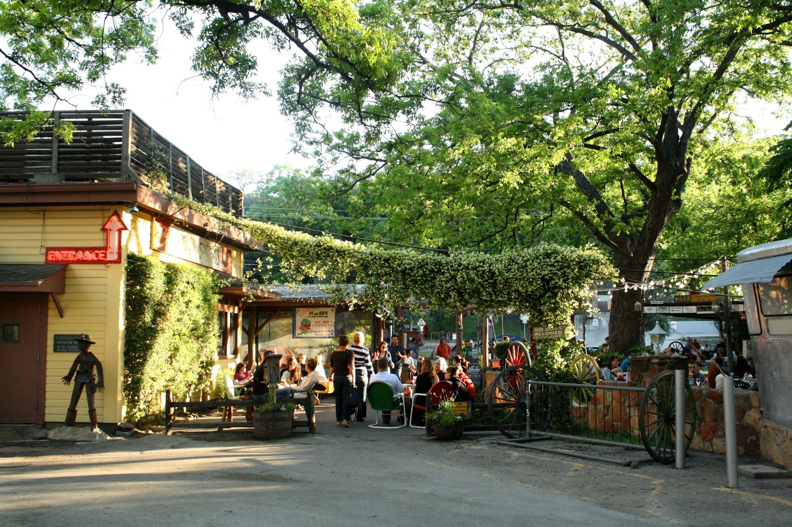 Top 5 austin restaurants to indulge while attending aaem 2015 for Shady grove
