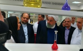 President Rouhani inaugurates pharmaceutical production line in Tehran