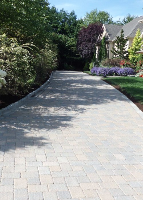 paver driveway in Simsbury, CT installed by Bahler Brothers