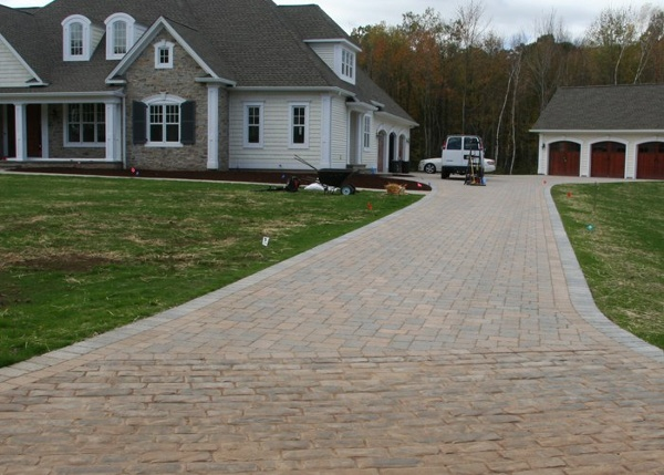 Paver driveway installation by Bahler Brothers in Soemrs, CT.