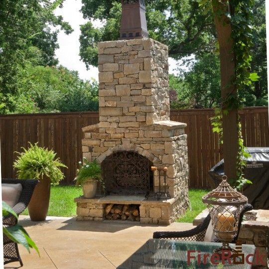 3 Reasons to Use Stone on Your Next Fireplace