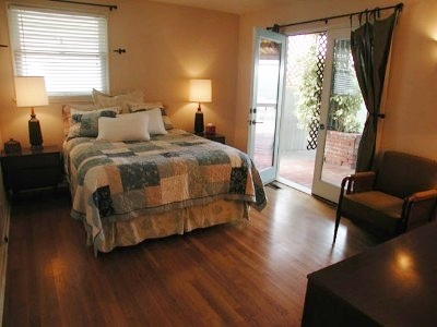 Home Remodel: Selecting a Door for Your Master Bedroom