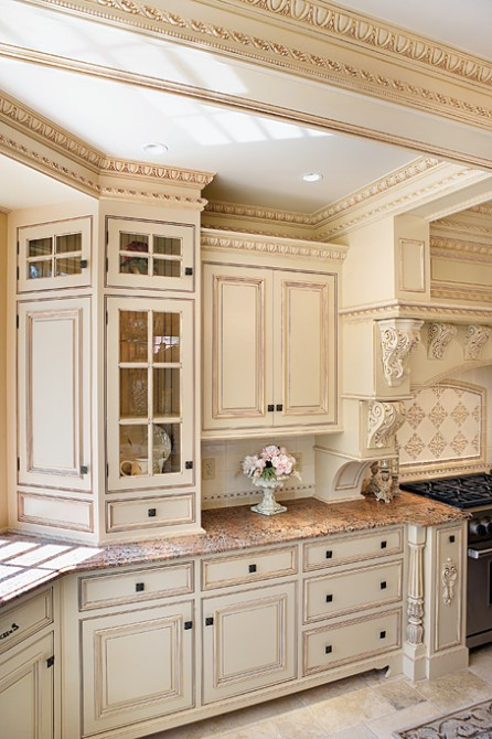 Kitchen Cabinets And Prefabricated Cabinets Have Similar Finishes