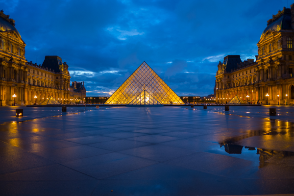 Louvre at dusk taken with FUJIFILM X-Pro1