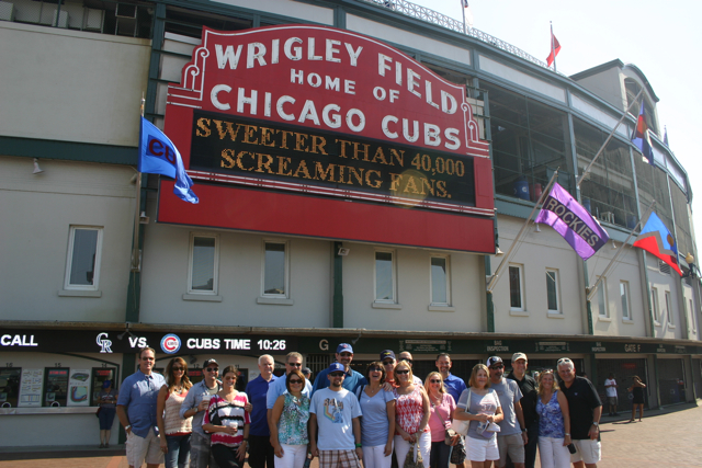 Wrigley_Field_pre-game_stadium_tour.jpg