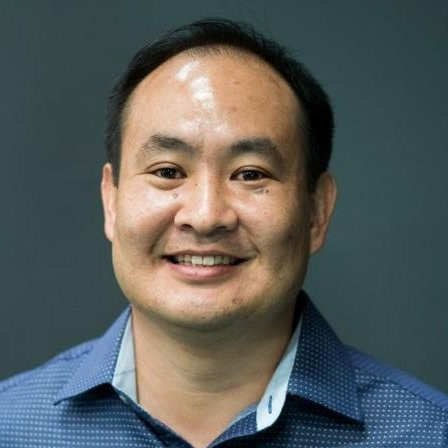 Dennis Yu Headshot