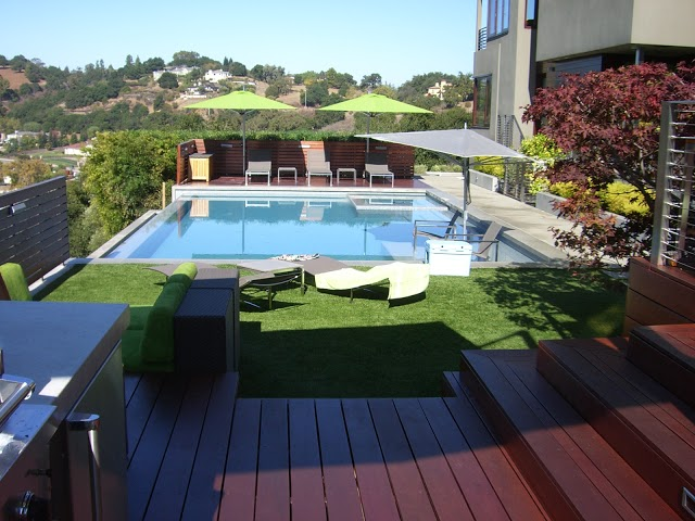 artificial grass for a patio and pool