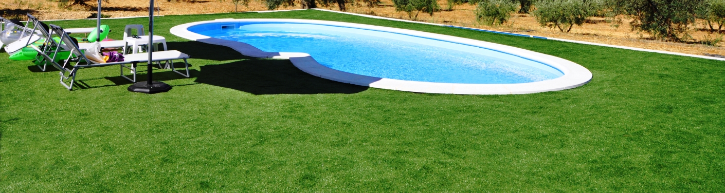 pool-artificial-turf-header-2-2