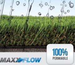 MaxxFlow artificial turf with rain drops on it