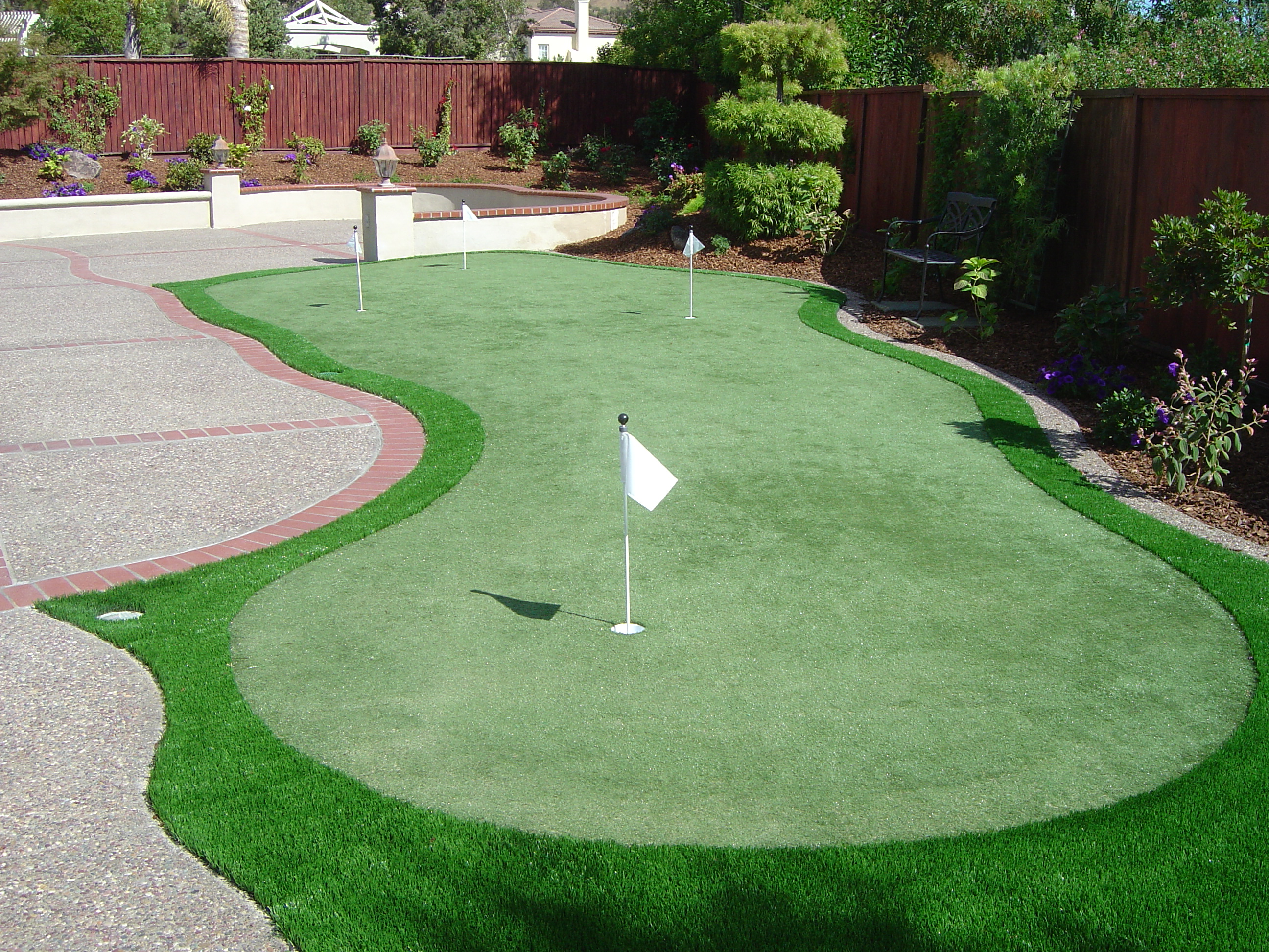 artificial turf home putting greens for serious golfers