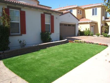 oakland front yard with artificial turf installed