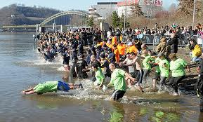 crowd running into water images