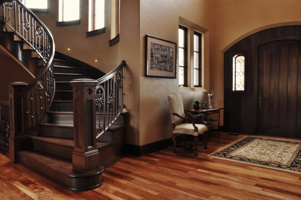 how hardwood floors are used to help sell homes