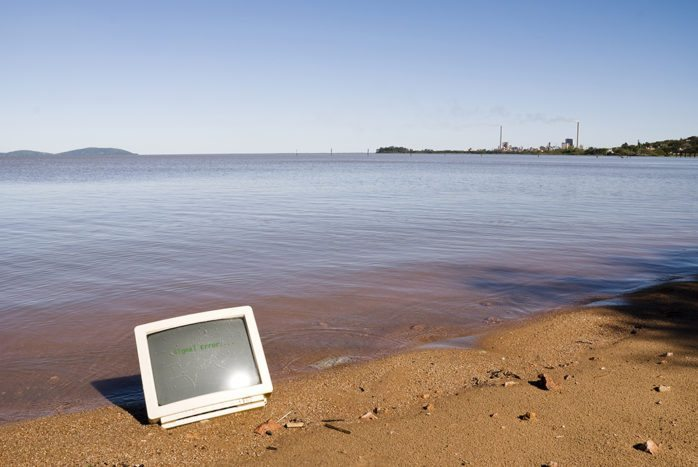 Field service solutions in an offline environment