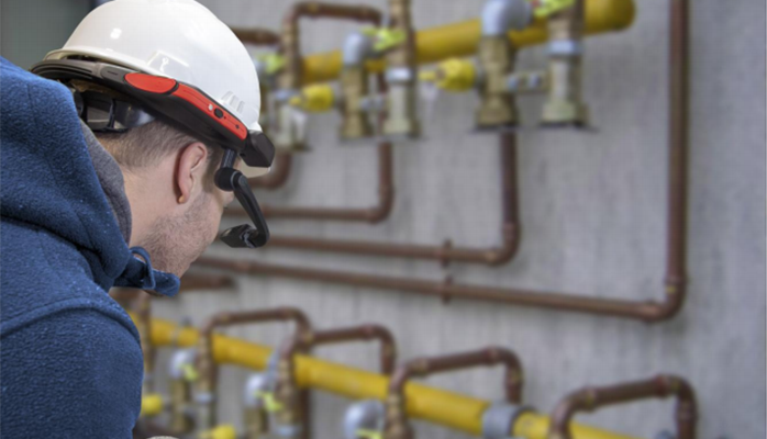 Italgas' Field Service Engineers Go Hands Free with RealWear & OverIT