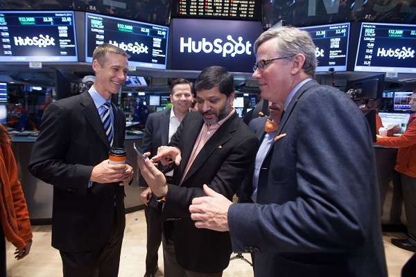 nyse-hubs-price-iphone
