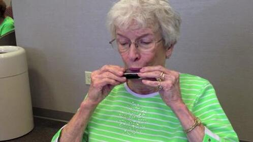 harmonica-therapy.jpg