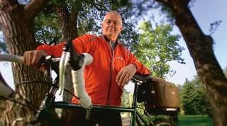 respironics-simplygo-portable-oxygen-concentrator-man-on-bike.jpg