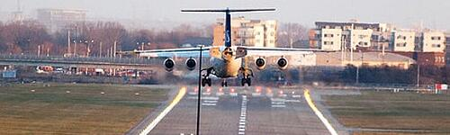 SAS_plane_landing_at_London_City_Airport-590x177.jpg
