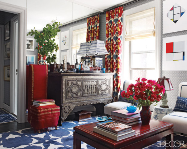 12 dazzling interiors with decorative rugs in red yellow and blue for Red and blue living room decor
