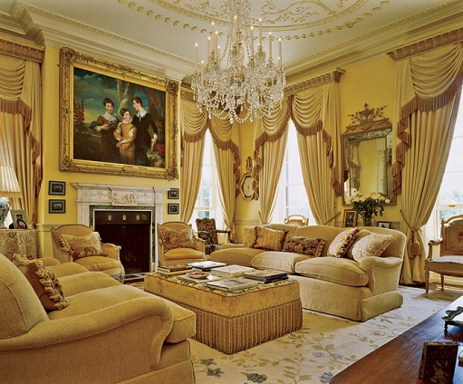 15 gorgeous interiors with gold rugs and yellow rugs - Gold rugs for living room ...