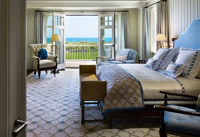 10 Best Hamptons Interiors With Decorative Rugs In Blue