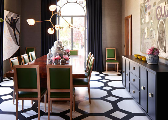 10 gorgeous rooms how to decorate with black white geometric rugs - Dining room showcase designs ...