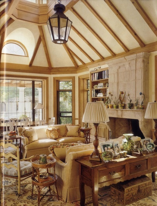 7 Gorgeous Interiors How David Easton Decorates With
