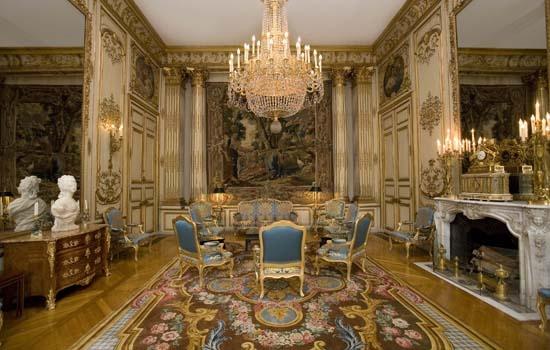 savonnerie carpets enrich france 39 s 5 grandest interiors. Black Bedroom Furniture Sets. Home Design Ideas