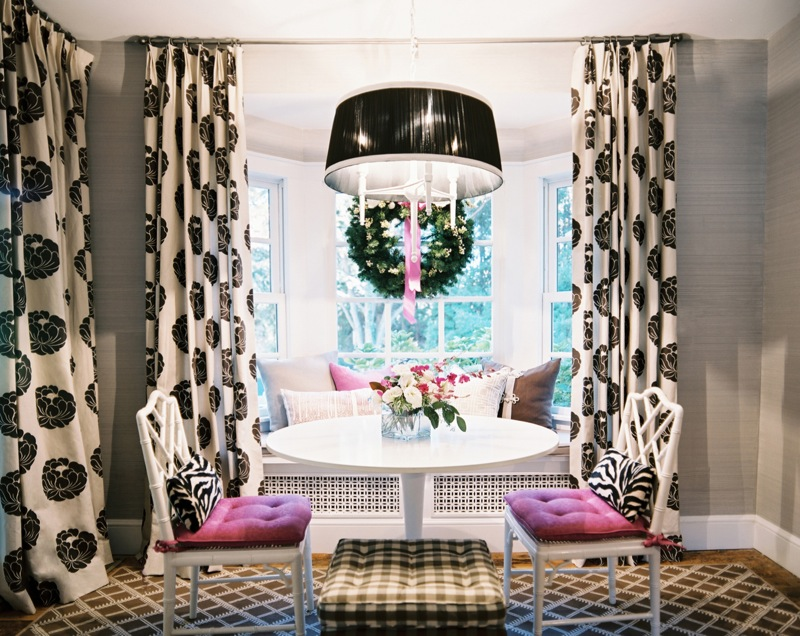 17 Chic Rooms How To Decorate With Geometric Rugs