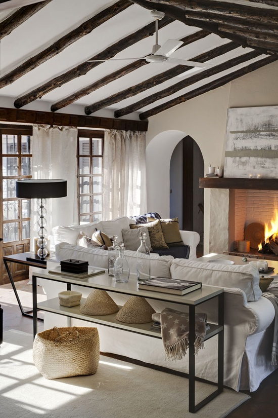 23 gorgeous living rooms with fireplaces and cozy