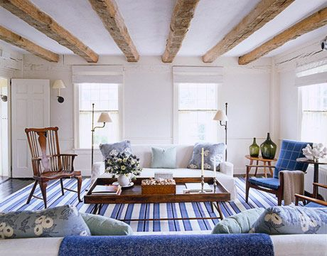 14 chic hamptons nantucket blue and white interiors with for Tom hoch interior designs inc
