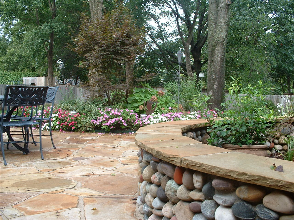 Backyard Hardscape Design Ideas : Colorado Glacier rock seatwall capped with Flagstone