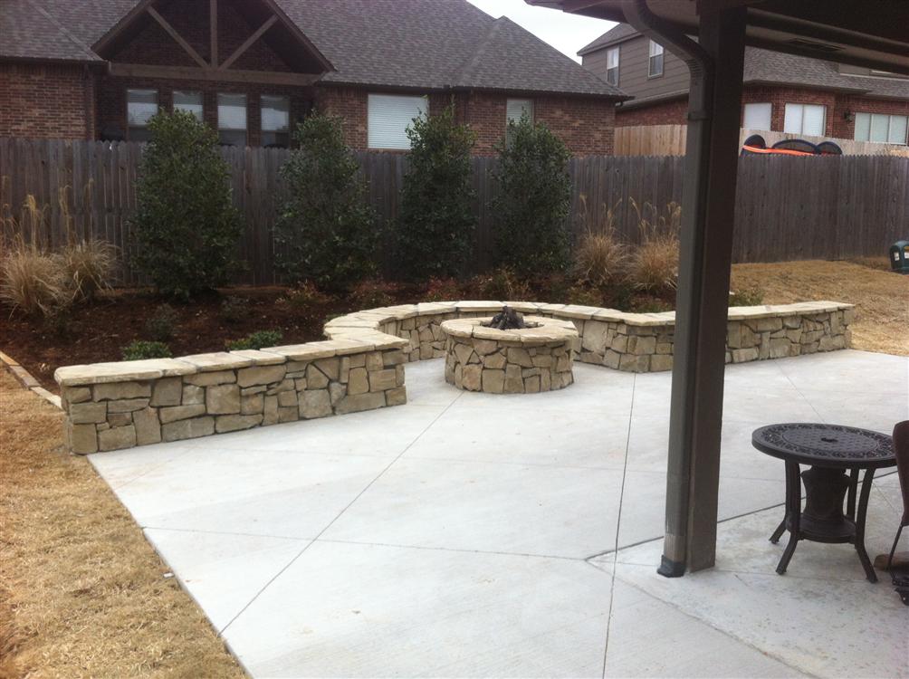 Tulsa landscape retaining walls landscape lighting in for Backyard patio extension ideas