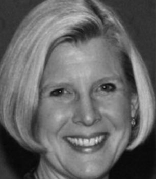 Gretchen Jezerc headshot