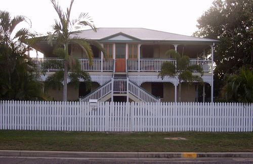 In depth the queenslander for Queenslander home designs australia