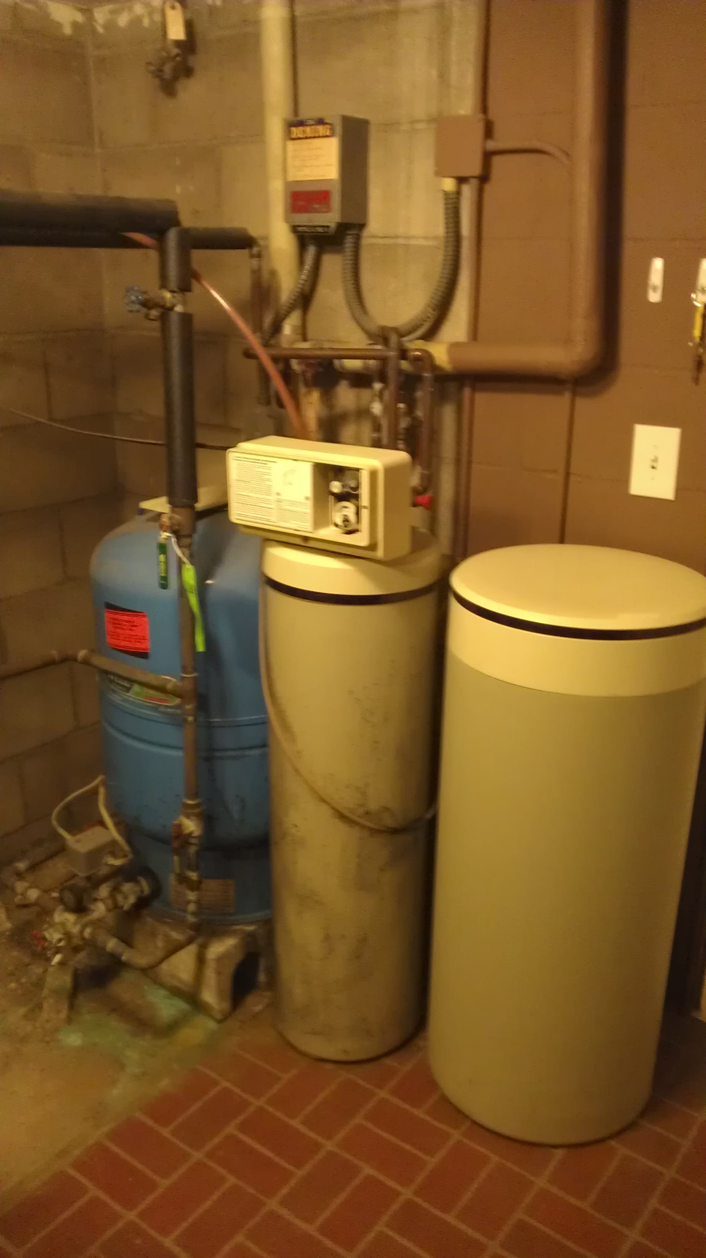 Iron Filter Installation In North Oaks Minnesota